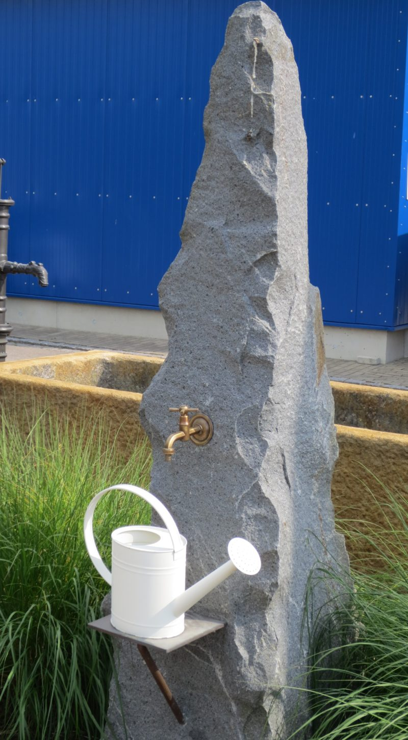 Wasserzapfstelle Findling WZ002